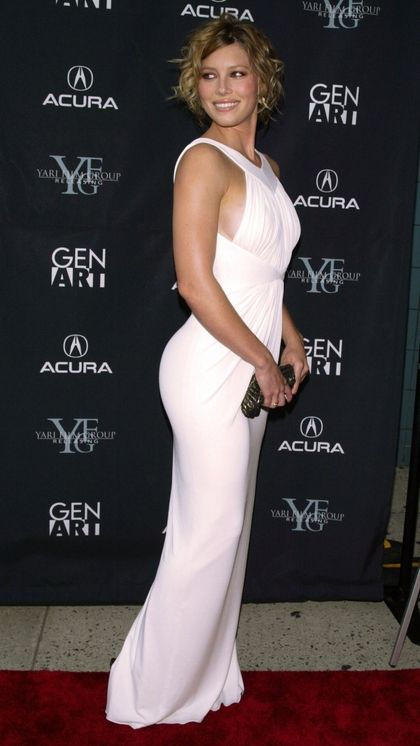 jessica biel white dress 1406x2500 wallpaper_www.wallpapername.com_24.jpg (420×746)