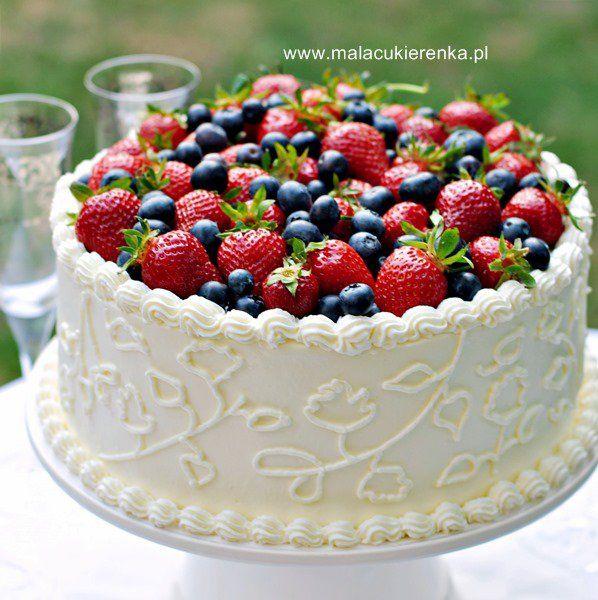 Tort truskawkowy z białą czekoladą i cytrynową nutką - Mała Cukierenka