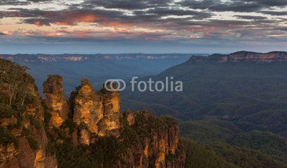 Three Sisters after sunset, Blue Mountains Australia