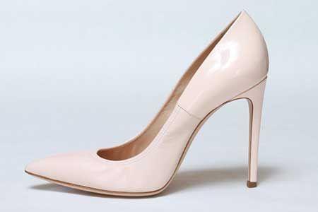 Mais #modelos da #modafeminina http://modafeminina.biz/moda-2016/scarpin-rasteirinhas-tamancos-e-peep-toes-ramarim-2016