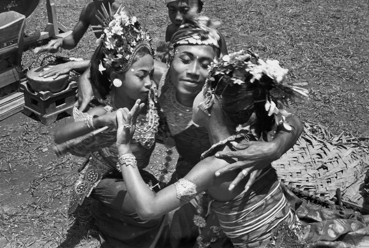 Journey Photography by Henri Cartier Bresson Date: 1949 Title: Sayan, Bali, Indonesia Theme: Old Worlds: East Map: Asia The Alloeng Ketjak dance