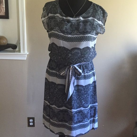 """Print Dress BNWOT-Paisley Print Dress-Extra Cute stops just above the knee-slip under dress-Chest measures 21"""" across-Hips measure 22"""" across-Length  from Shoulder to Hem is 38""""-Price Firm unless bundled for the discount‼️‼️‼️ Dresses Midi"""