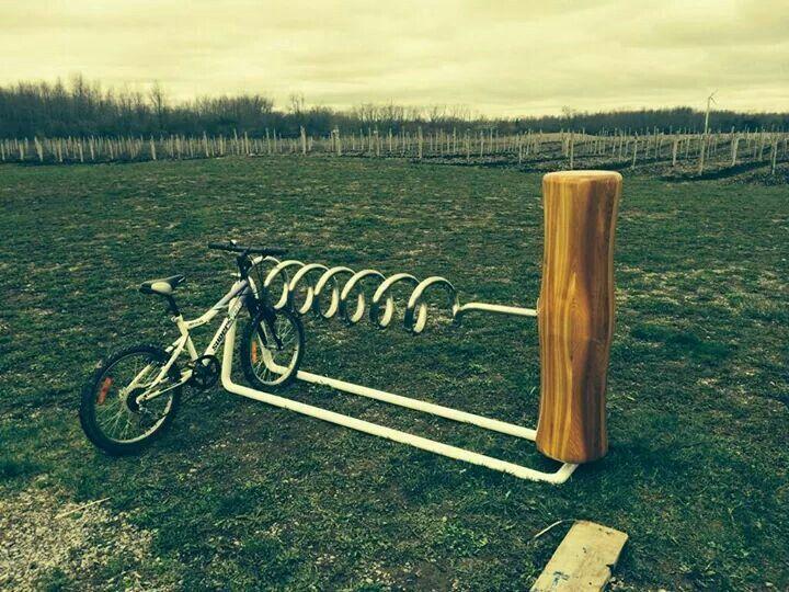 Dugóhúzó biciklitároló