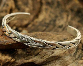 Mannen armband zilver gevlochten wrap met door MetalStudioJewelry