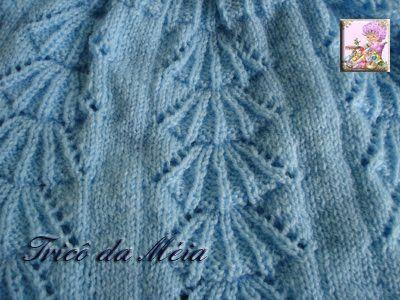 CASAQUINHO DE MIGUEL A receita original do casaquinho você vai encontrar no blog Artes em tricô e crochê para bebê A receita do casaquin...