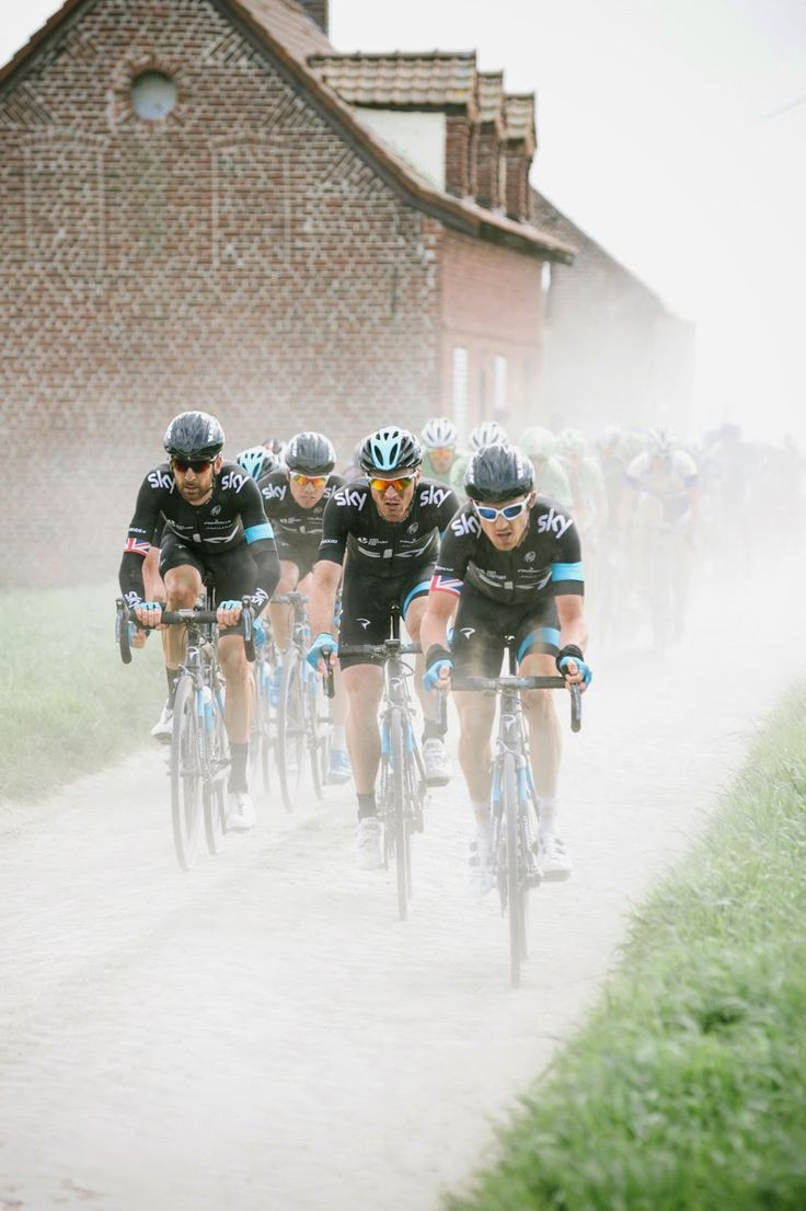 Team Sky (On the cobbles of Northern France, Paris - Roubaix 2014)