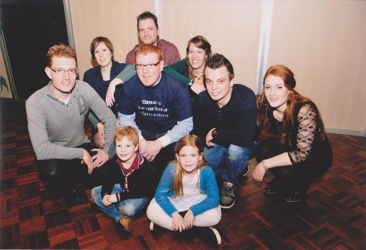 Mijn kinderen, vrouw, twee broers, zusje, schoonzusje en zwager.