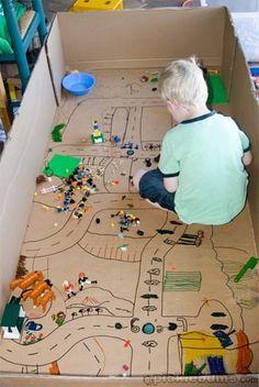 Ideias que utilizam caixas de papelão para criar atividades e brincadeiras para as crianças