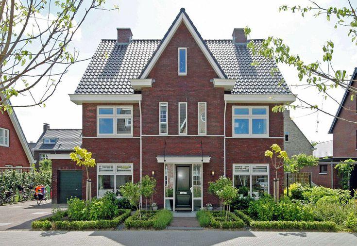 Ruime jaren 30 woning in moderne uitbreidingswijk | Architektenburo Bikker BV