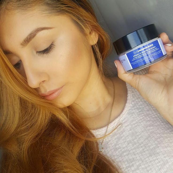 Preen.Me VIP Monique R retexturizes her skin and smoothes lines using her gifted  #OleHenriksen Sheer Transformation Moisturizer. Bag this skin innovation by clicking through.