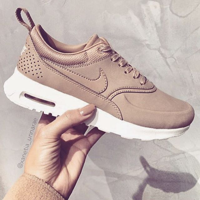 64c6b075b5b3 Perfect nude nikes for fall