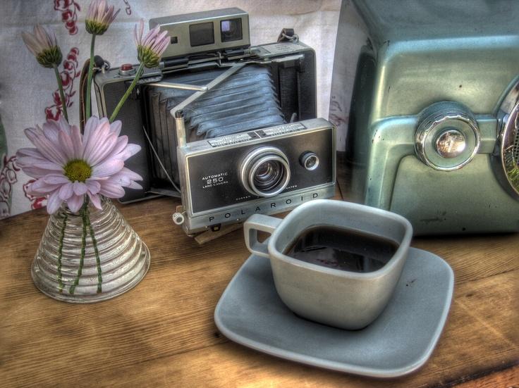 I miss polaroid.  #polaroid #hdr #vintage radio