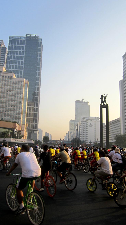 Biking in Jakarta famous bi-weekly Car Free Day