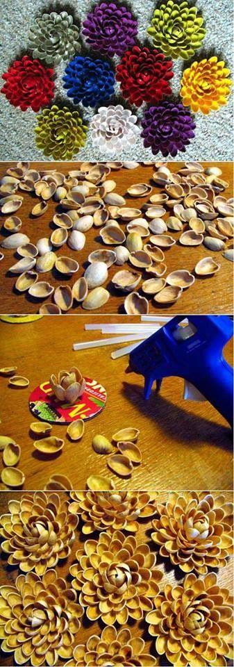 cette photo nous montre des étapes particuliers pour former des fleurs avec des pistaches.