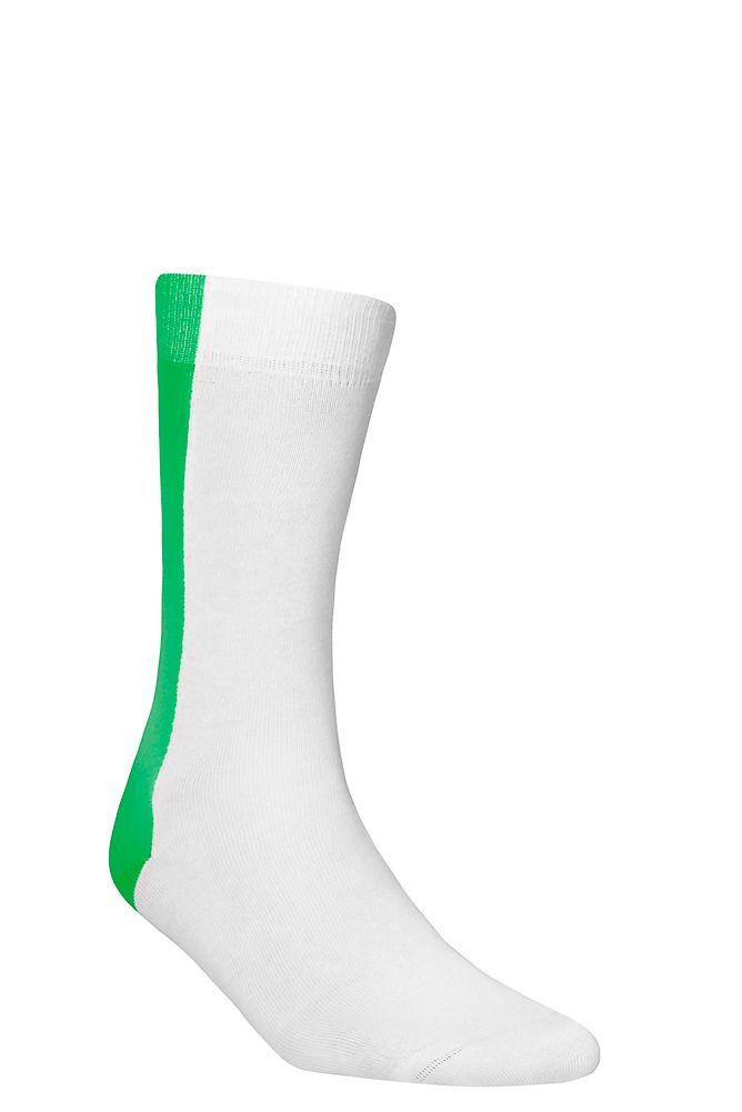BB Divided Ankle Socks Green  Kun je ook niet kiezen tussen klassiek wit of een frisse zomerkleur? Nu hoeft dat niet meer! Deze enkelsokken vormen een perfect compromis hebben elk een brede streep en zijn gemaakt van kwaliteitsgaren. 1-pack. 85% katoen 13% polyamide 2% elastaan.  EUR 8.95  Meer informatie