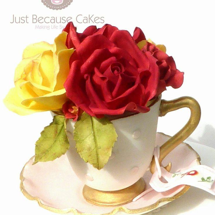 Sugar Cup and Roses Cake Topper #suggarflowers #vintagecaketoppers #handmadesugarroses #justbecausecakes #wwddingcakesmaidenhead