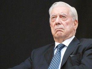 """El escritor peruano Mario Vargas Llosa afirmó que espera tener lista su nueva novela, titulada """"Cinco esquinas"""" e inspirada en la bohemia periodística que vivió en su juventud, antes de cumplir 80 años, el próximo 28 de marzo. """"Mi esperanza es terminarla para fin de año, y llegar a Lima con mi novela bajo […]"""