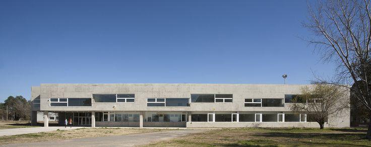 Galería - Escuela de Ingeniería Civil y Auditorio CUR / Gerardo Caballero, Maite Fernández - 8