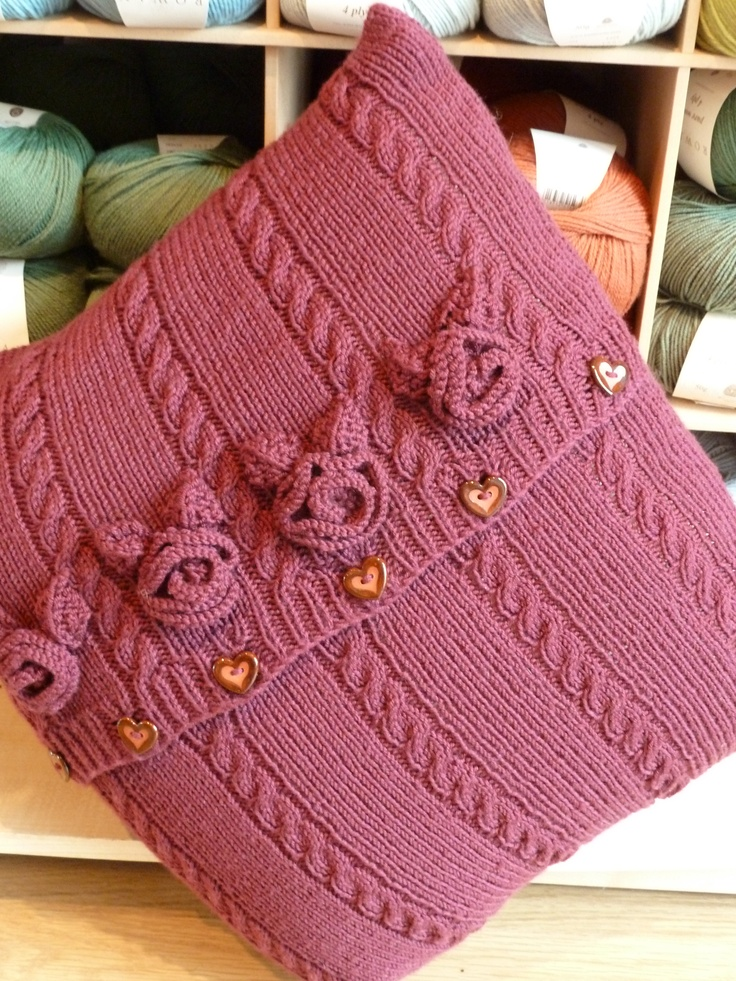 Free Knitting Pattern Cushion Dk : 159 best images about Knitting : Pillows on Pinterest Free pattern, Knitted...