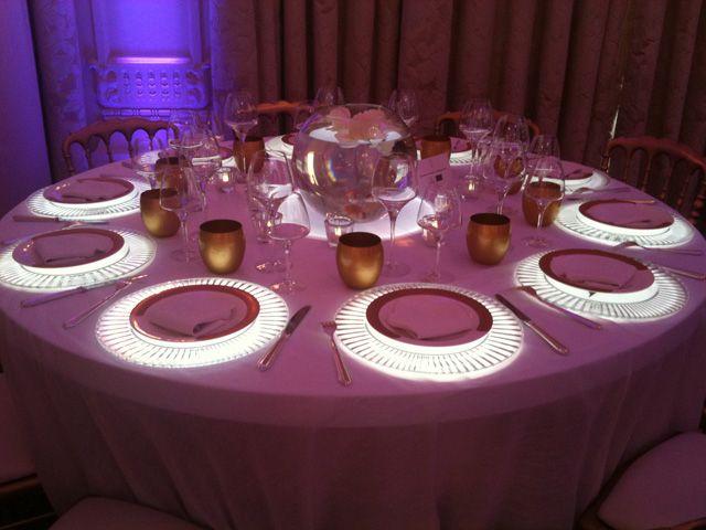 Décoration de table lumineuse et dorée