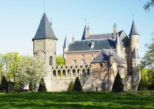 Heeswijk castle, Netherlands