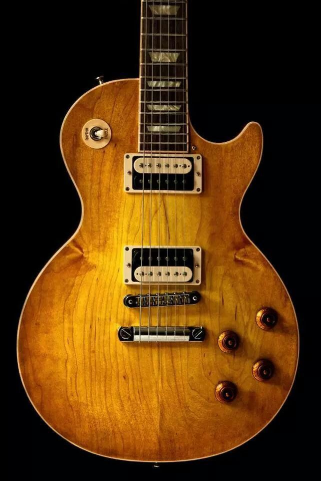 Not usually a massive Les Paul fan but the Plaintop finish is gorgeous