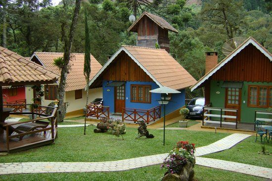 Foto de Estalagem Monte Verde, Monte Verde: Vista geral dos chalés - Confira as 4.435 fotos e vídeos reais dos membros do TripAdvisor de Estalagem Monte Verde