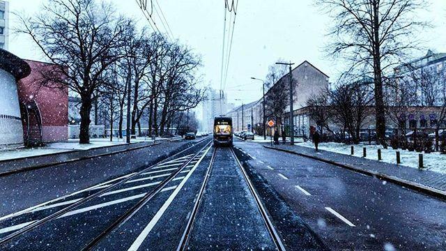 The epic view after missing your train. . . . . #visualambassadors #beautifuldestinations #moodygrams #ourmoodydays #artofvisuals #visualoflife #folkscenery #folkgreen #topgermanyphoto #ig_deutschland #deutschland_greatshots #in_germany #germany_online #weroamgermany #ig_Leipzig #rsa_outdoors #visualofearth #theimaged #liveoutdoors #lensbible #creativeoptic #vzcomood #simplysaxony #roamtheplanet #exploretocreate #vibeofvisuals #wildernessculture #lifeofadventure #roam #livefolk @theimaged…
