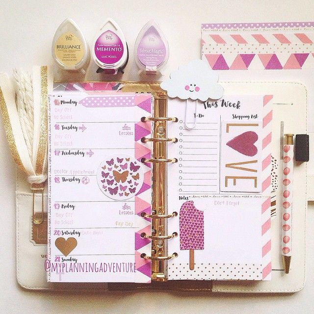 My current week. I've decided nothing beats this white #colorcrush for a fresh clean layout. #planner