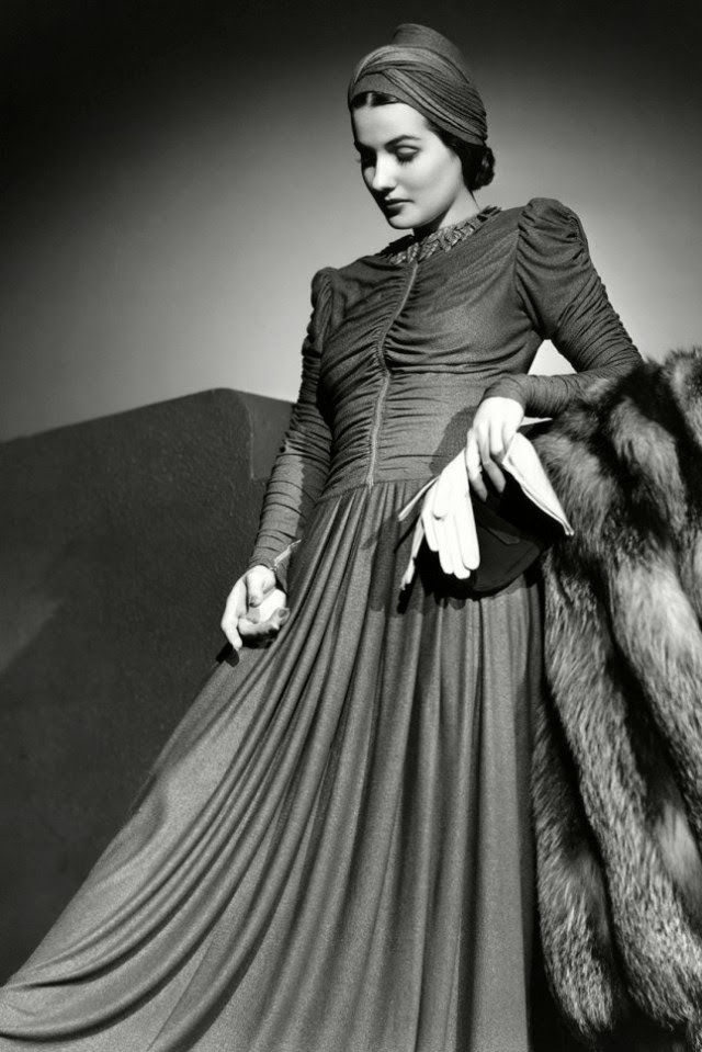 vintage everyday: 1940s Fashion and Style Trends in 40 Beautiful Pictures