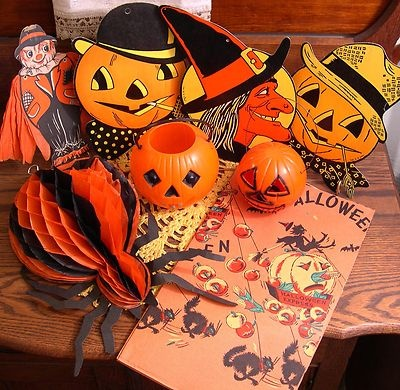 fun lot of 8 vintage halloween decorations beistle luhrs union products 40s 60s old diecuts