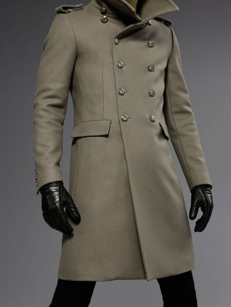 P = pilot in the case of the pea coat, another favoured style of jacket by men of the military. This particular men's coat was used by Navy men, and with its double-breasted front and storm collar makes it a definite winter must-have.
