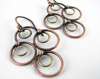Gemengde metalen oorbellen bengelen door DeborahCloseDesigns