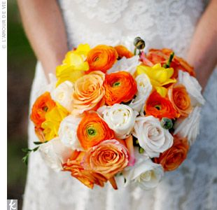 Orange white yellow bouquet wedding: Idea, Bridal Bouquets, Most Popular, Color, Cakes Flower, Ranunculus Bouquets, Wedding Flowers, Weddings Flower, Orange Ranunculus