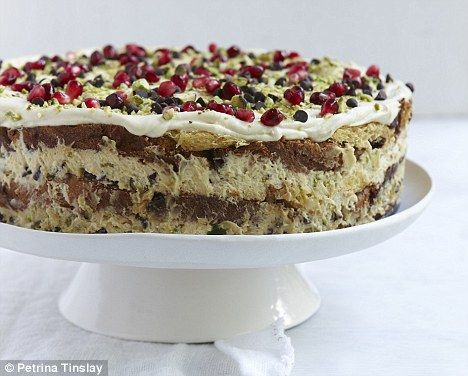 Nigella's Italian Christmas: Italian Christmas pudding cake