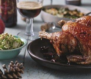 Juleglaseret kylling med rå rosenkålssalat