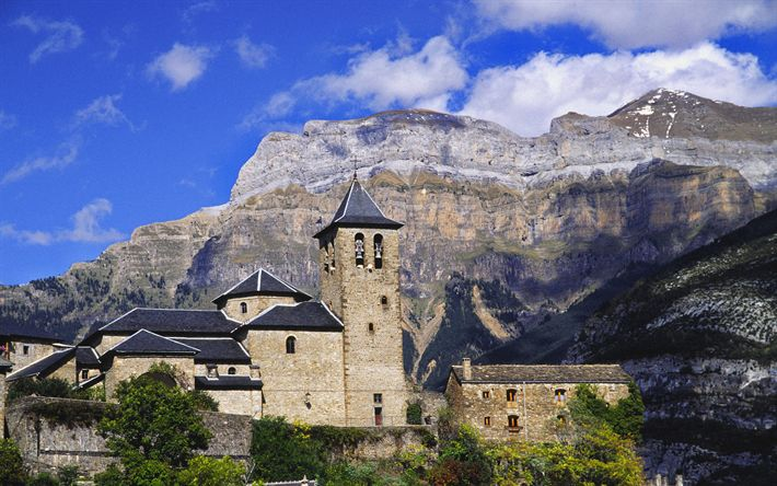 Download wallpapers Church of Torla, 4k, Monte Perdido, mountains, Pyrenees, Spain, Europe