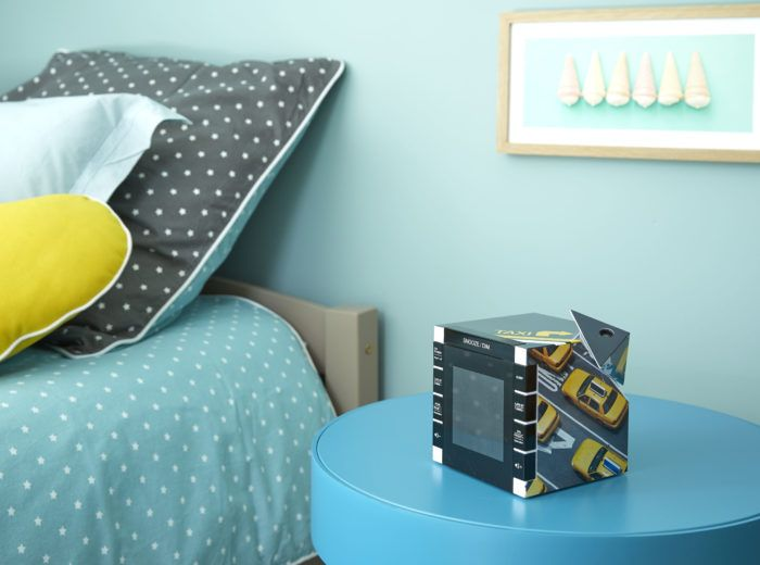 un radio réveil avec projecteur aux couleurs des taxis jaunes New-yorkais