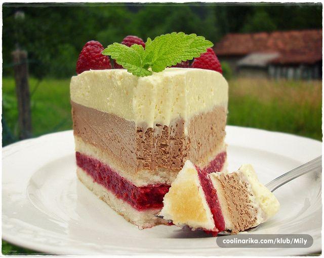 Rado, nadam se da će ti se dopasti recept za ovu laganu torticu kojim želim da ti se zahvalim na svemu :) Takođe, želim ti srećan put i mnogo uspjeha na svim poljima u novoj Zemlji :) jer ipak, uz voljenu osobu sve je mnogo lakše! Ljubim te :*