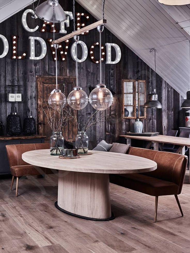 Ovale tafel 'Cannes'. Elegante tafel van rustiek eikenhout.