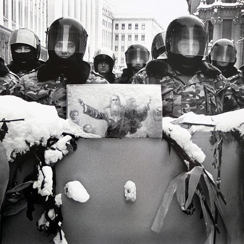 MARK MURRMANN  ORANGE REVOLUTION  KIEV, UKRAINE  NOV. 2004