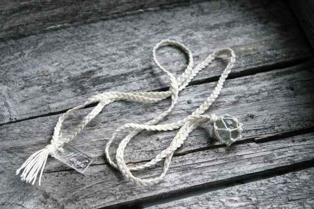 The Catch clear white - halsband - Havsglas Sverige - Formgivare