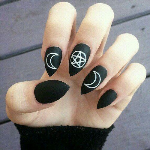 See more HERE: http://rockfashionyeah.com Alternative style blog #rockfashion #darkstyle #alternativestyle #nails #nailart