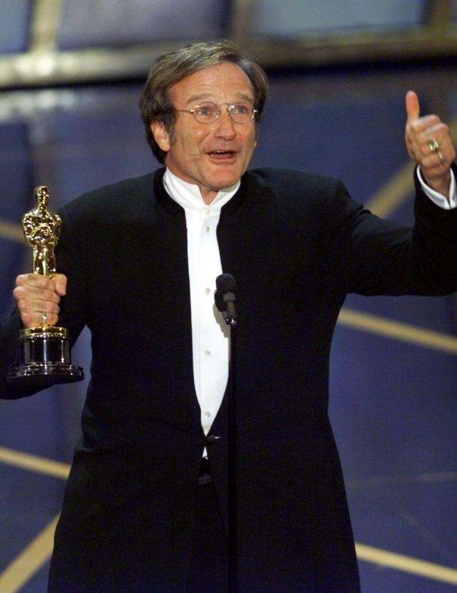 "2/08/2014 11:17pm The Academy Award Ceremony  1998: Robin Williams  Best Supporting Actor for ""Good Will Hunting"" 1997."