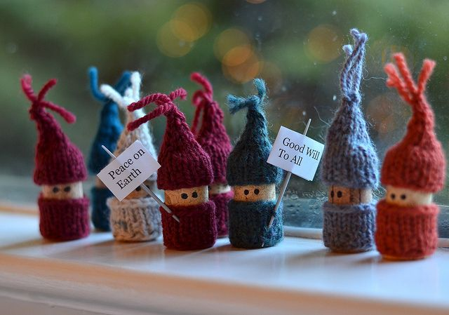 I knew I was saving my wine bottle corks for a reason! Dec24-Corks by crazyknittinglady, via Flickr