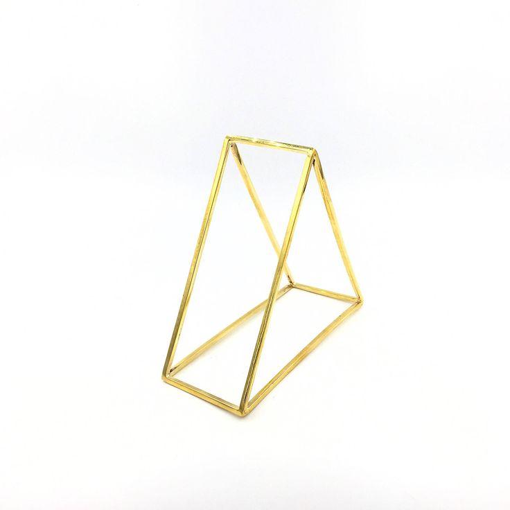 Un preferito personale dal mio negozio Etsy https://www.etsy.com/it/listing/516085500/triangular-structure-bracelet