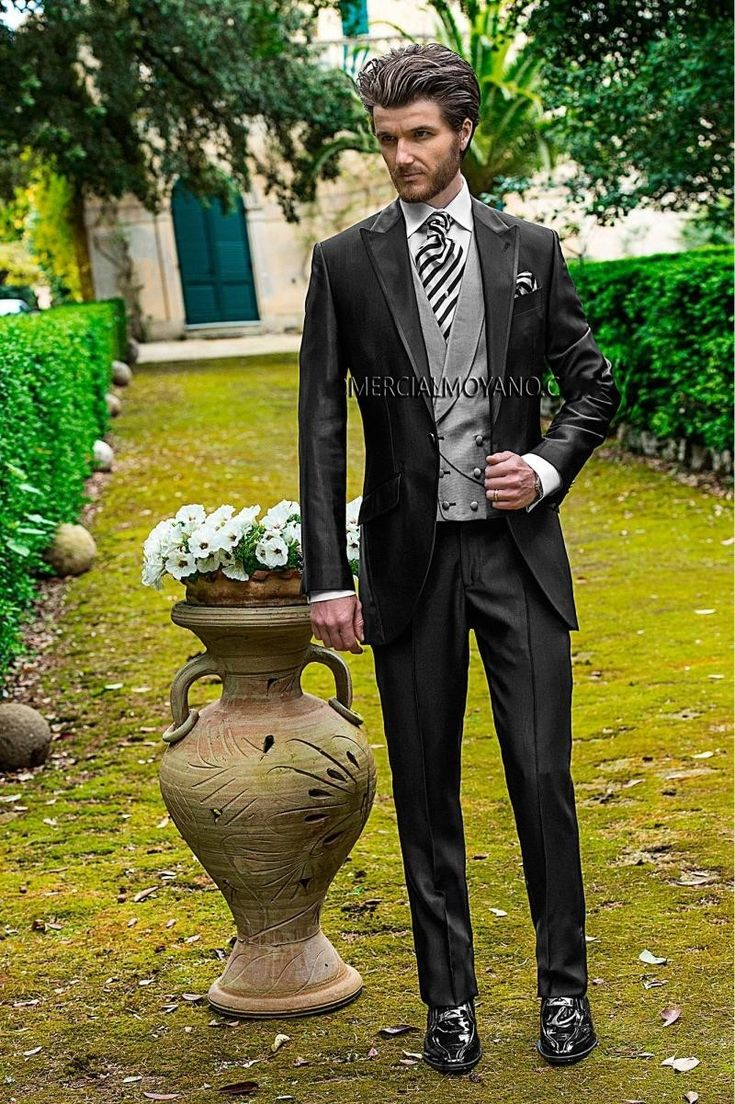 Fashionable One Button Black Groom Tuxedos Groomsmen Mens Wedding Suits Prom Bridegroom (Jacket+Pants+Vest+Tie) NO:482