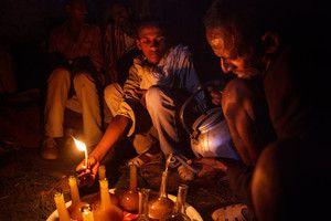 Men-pouring-Tej---traditional-Ethiopian-alcoholic-drink,-Tigray,-Ethiopia.jpg