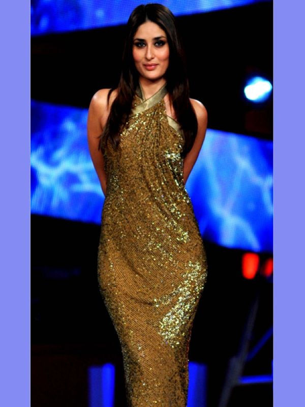 Kareena Kapoor: Bebo looks saucy in this jazzy gold outfit. The ...