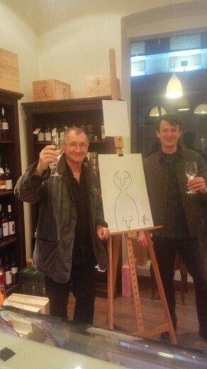 cu maestrul Horatiu Malaele la vernisajul Art Bending, schite interpretate din sarma | www.artbending.ro